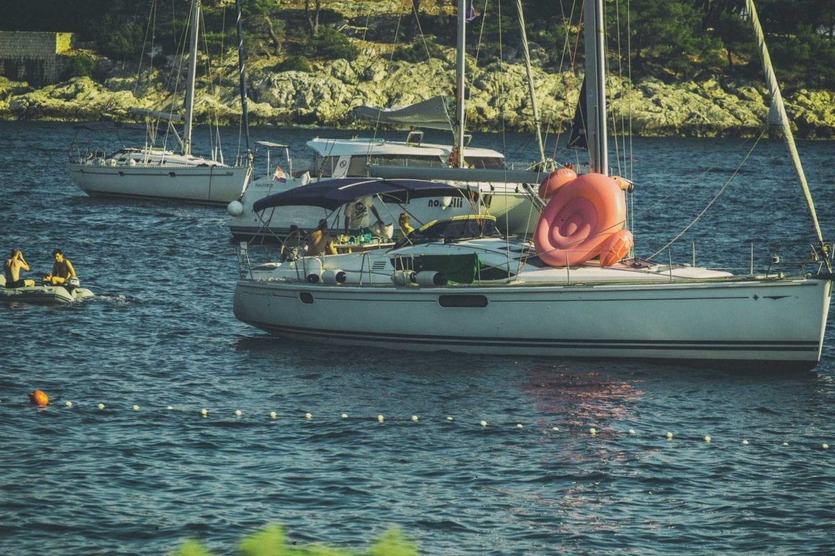 The-Cosmic-Quartet-MC-Flamingo-showing-his-behind-on-Hvar-Island-summer-2017-Croatia